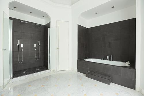 Paris 16e - hotel particulier salle de bain 2