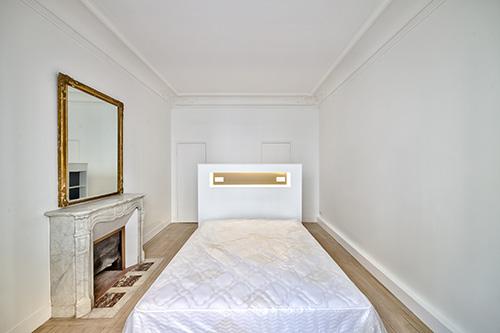 Paris 9e - Rochechouart- Chambre