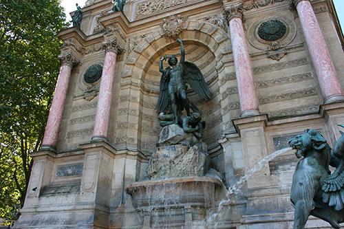 Fontaine Saint-Michel 5e paris